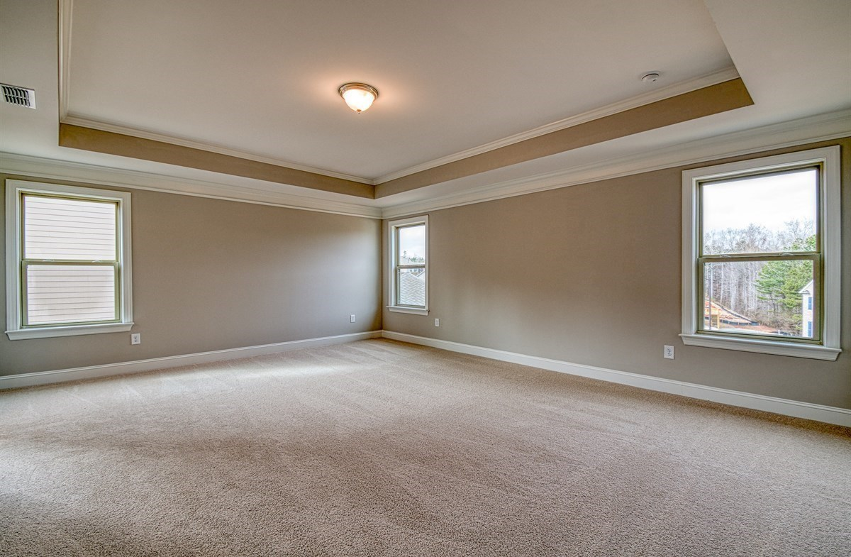 Chandler quick move-in Master Bedroom with tray ceiling