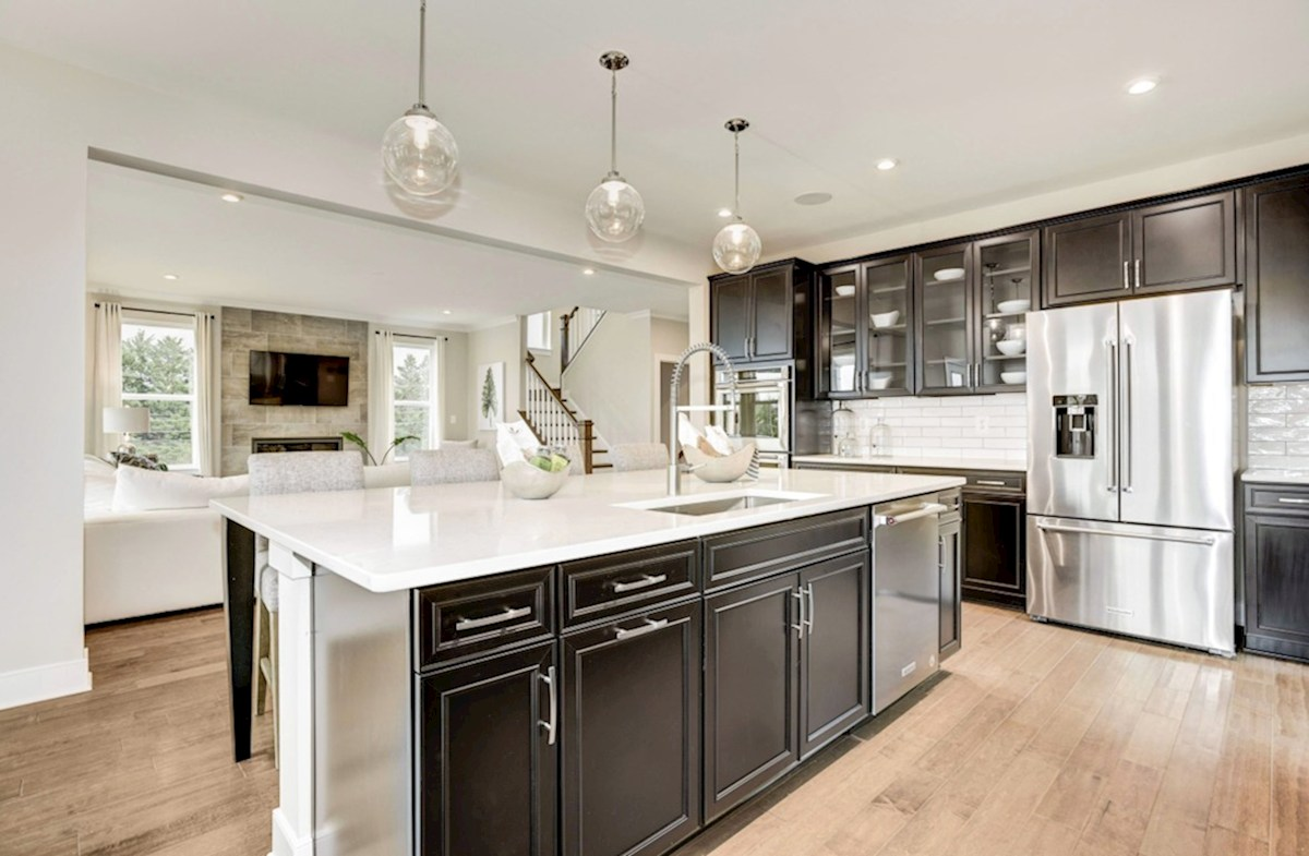 Oxford quick move-in expansive kitchen