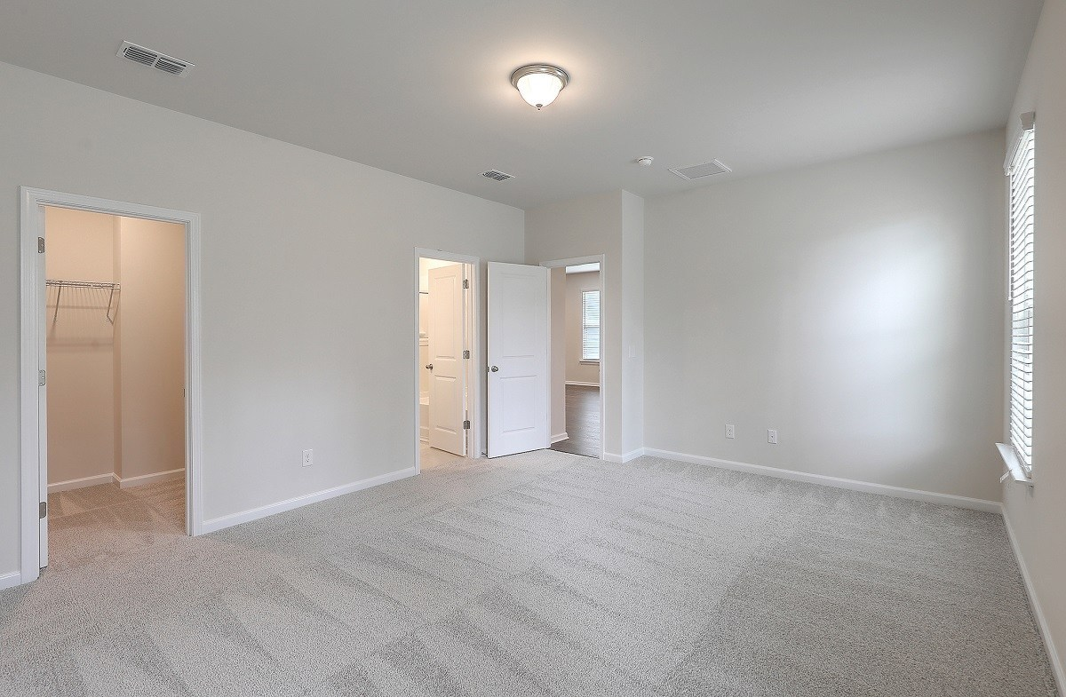Franklin quick move-in large master bedroom