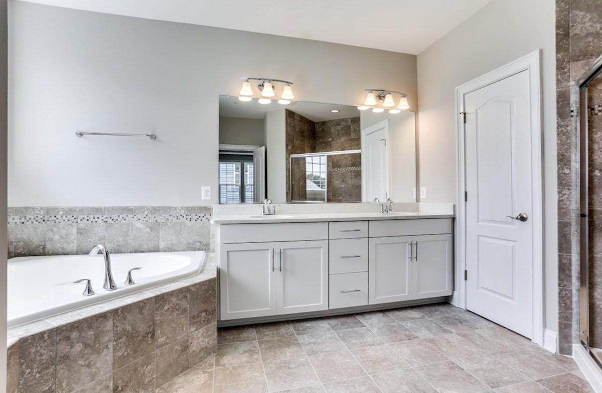 Kingston quick move-in Kingston Master Bathroom