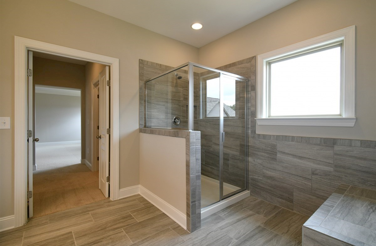 Aspen quick move-in Master Bath with stall shower
