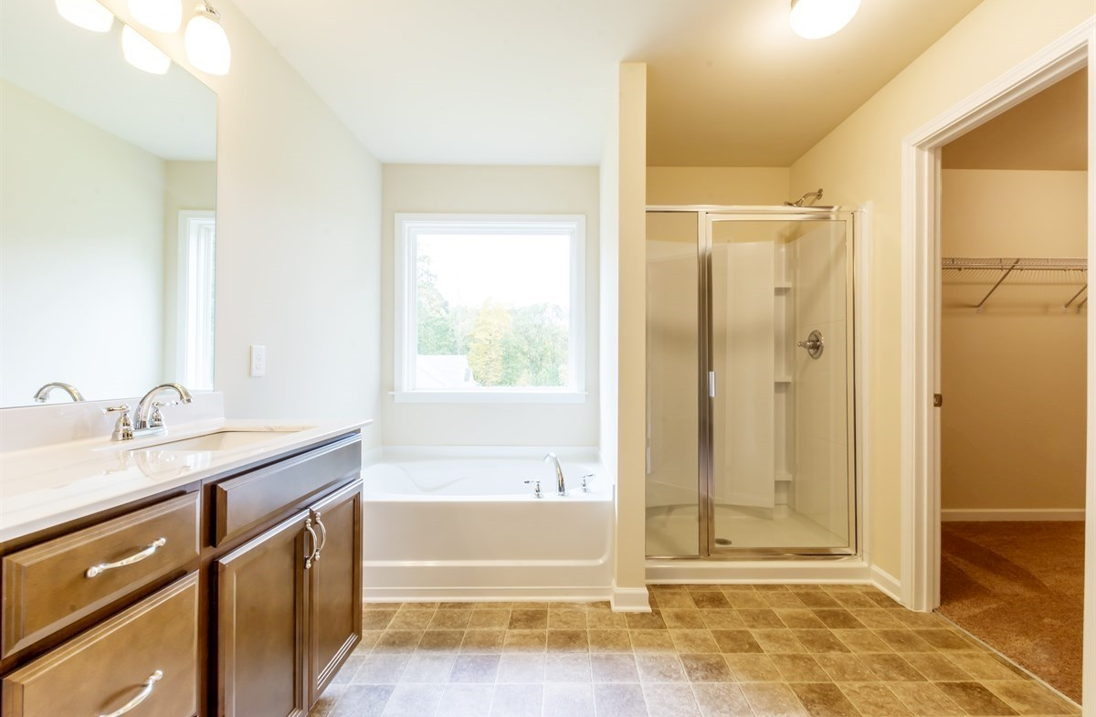 Ridgecrest quick move-in Master Bath with stall shower
