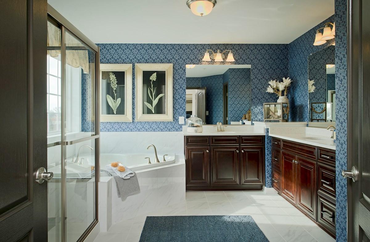 Wincopia Farms Lexington spacious master bathroom