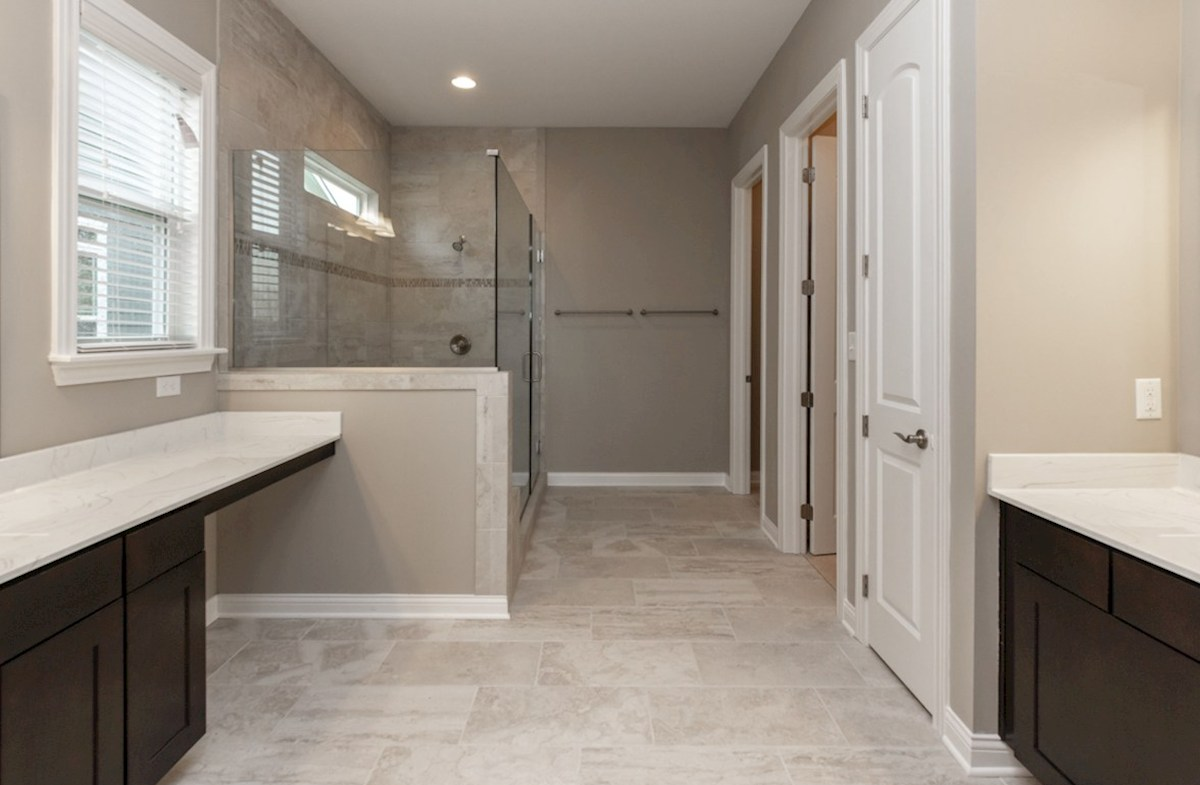 Windsor quick move-in spacious master bath with spa shower