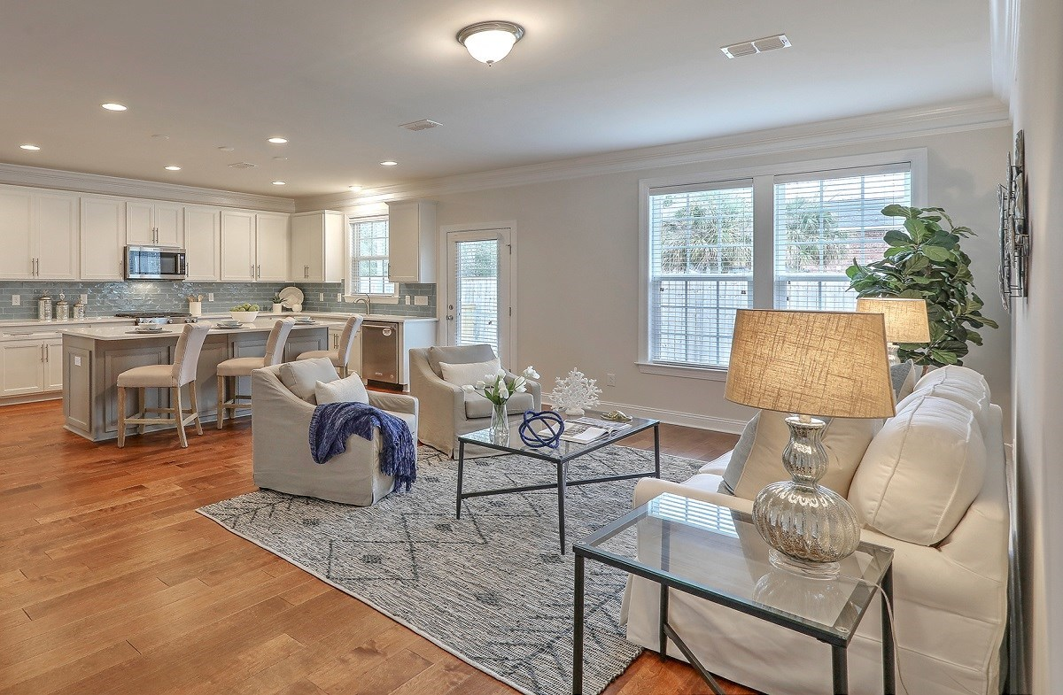Sycamore quick move-in airy great room