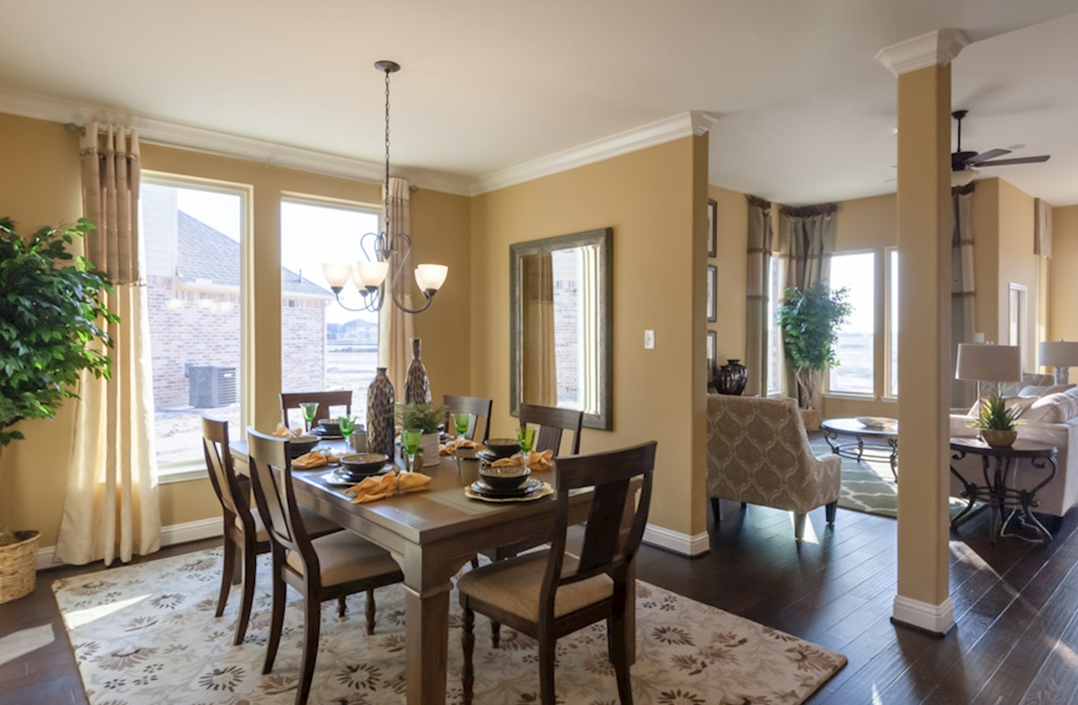 King Crossing Galveston  formal dining room