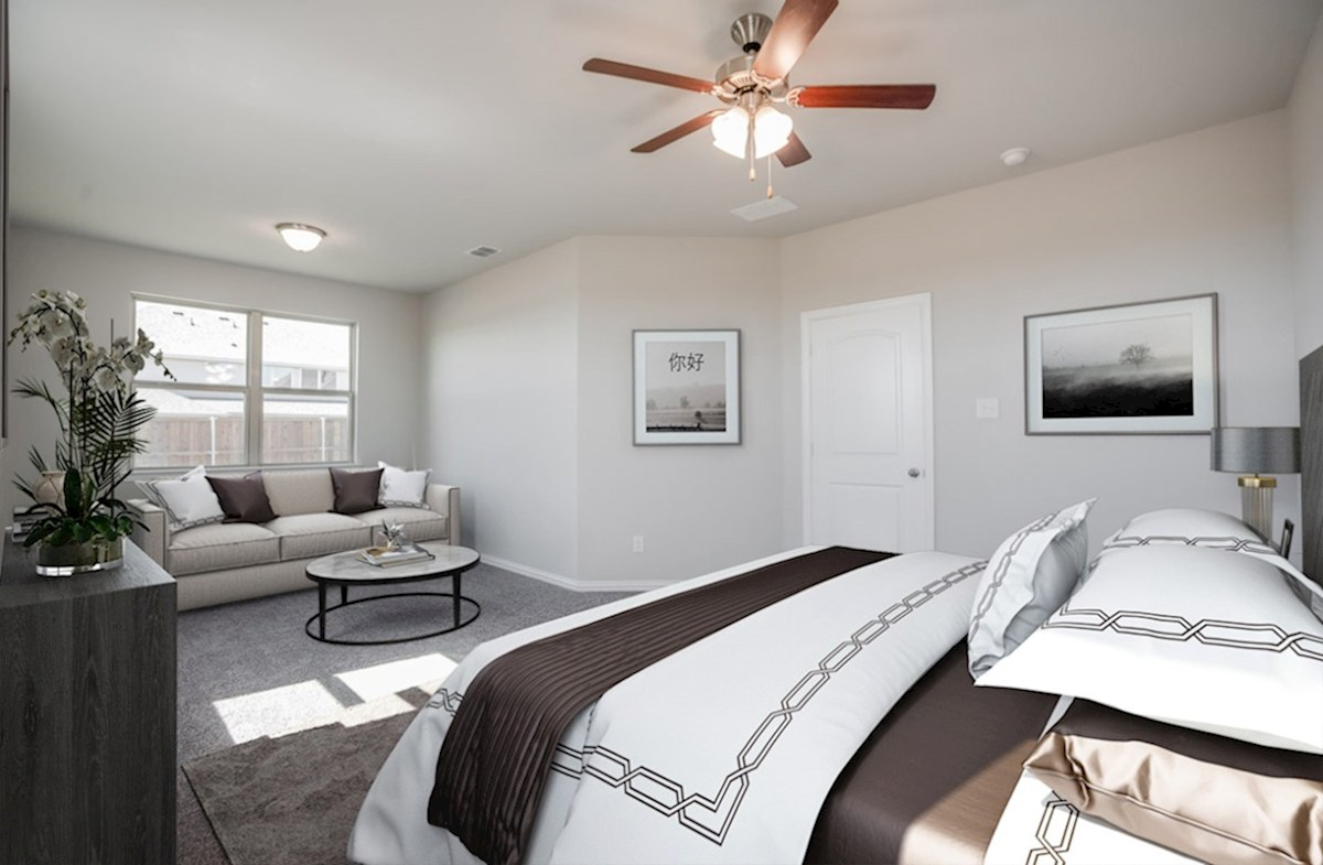 Prescott quick move-in Prescott master bedroom with sitting area