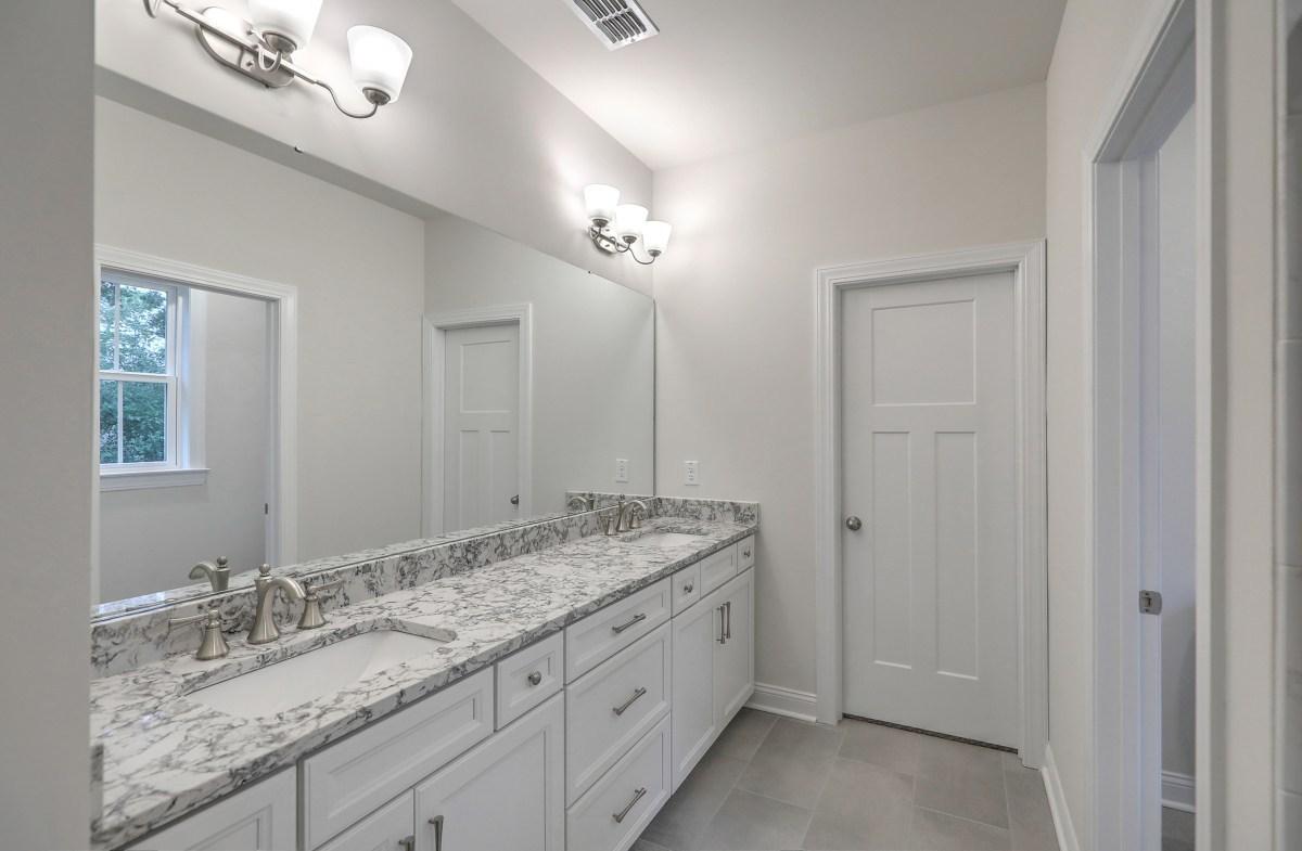 Bentley Park White Oak luxurious master bathroom