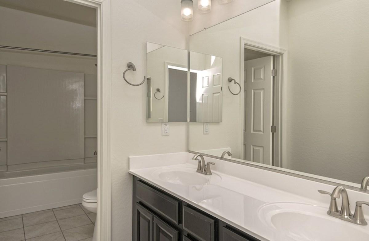 Abilene quick move-in Abilene Secondary Bathroom