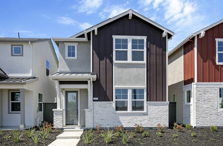 Plan 5 Elevation Arts & Crafts L quick move-in