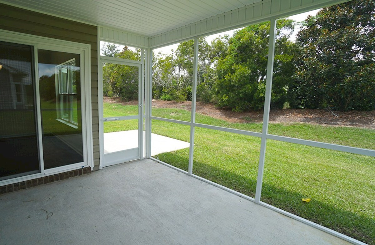 Summerton quick move-in screened porch and additional patio