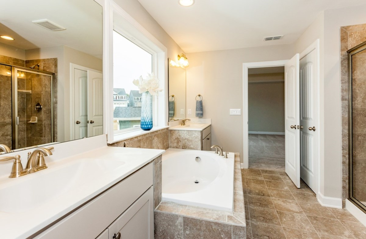 Marshall quick move-in owner's bath