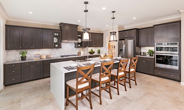 virtual tour of two story home in Fallbrook, CA