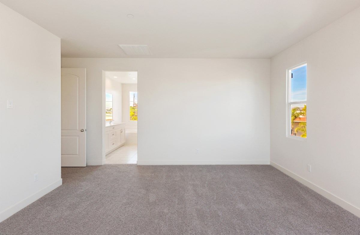 Daffodil SCM quick move-in Your private master suite to relax
