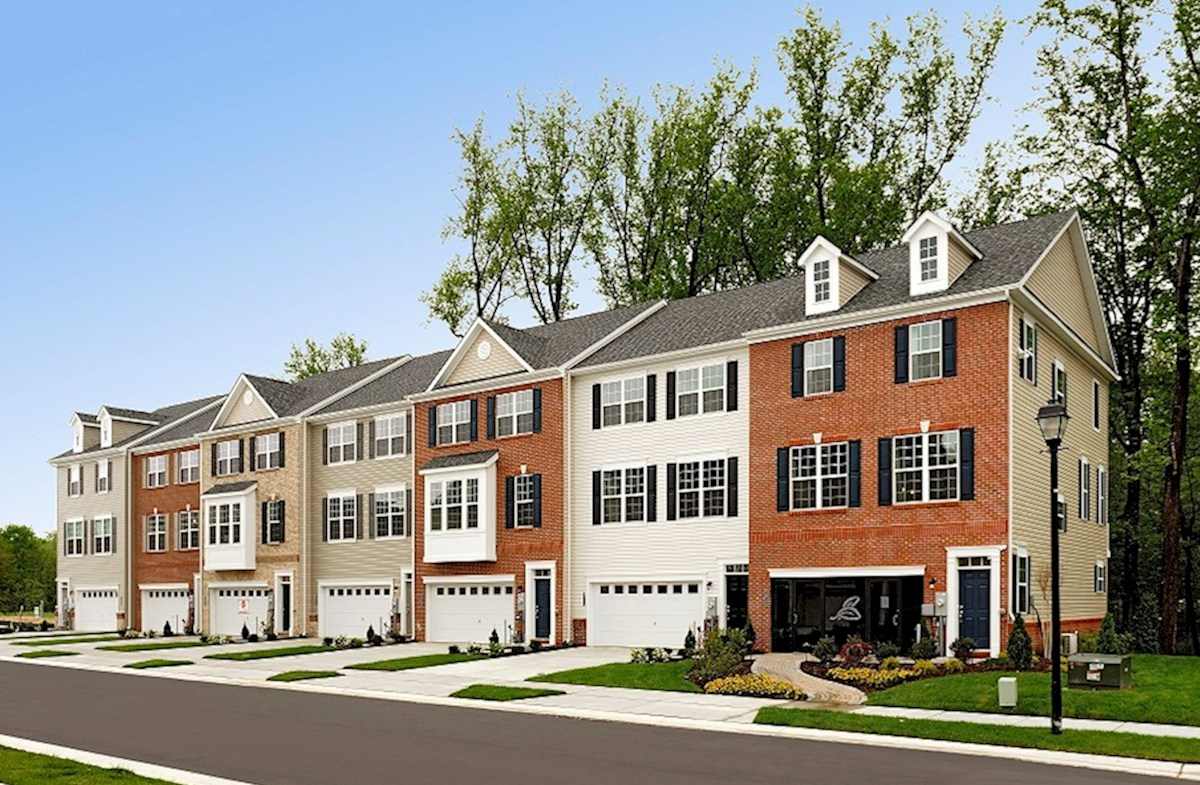 Vienna home plan in the preserve at windlass run townhomes for Garage md carvin