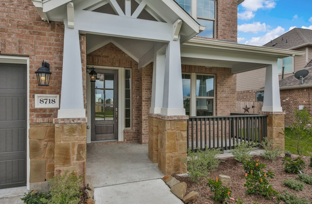 Biltmore quick move-in tranquil covered front porch