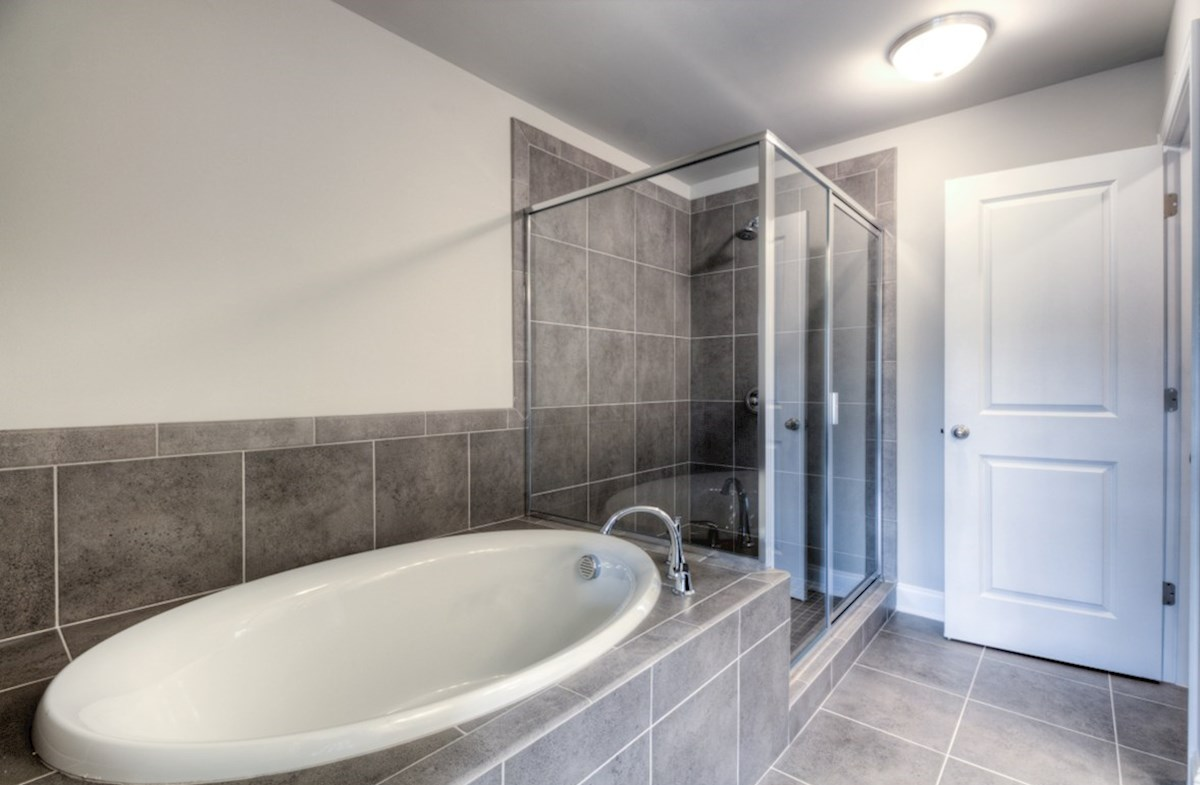 Preston quick move-in Master bathroom with soaker tub