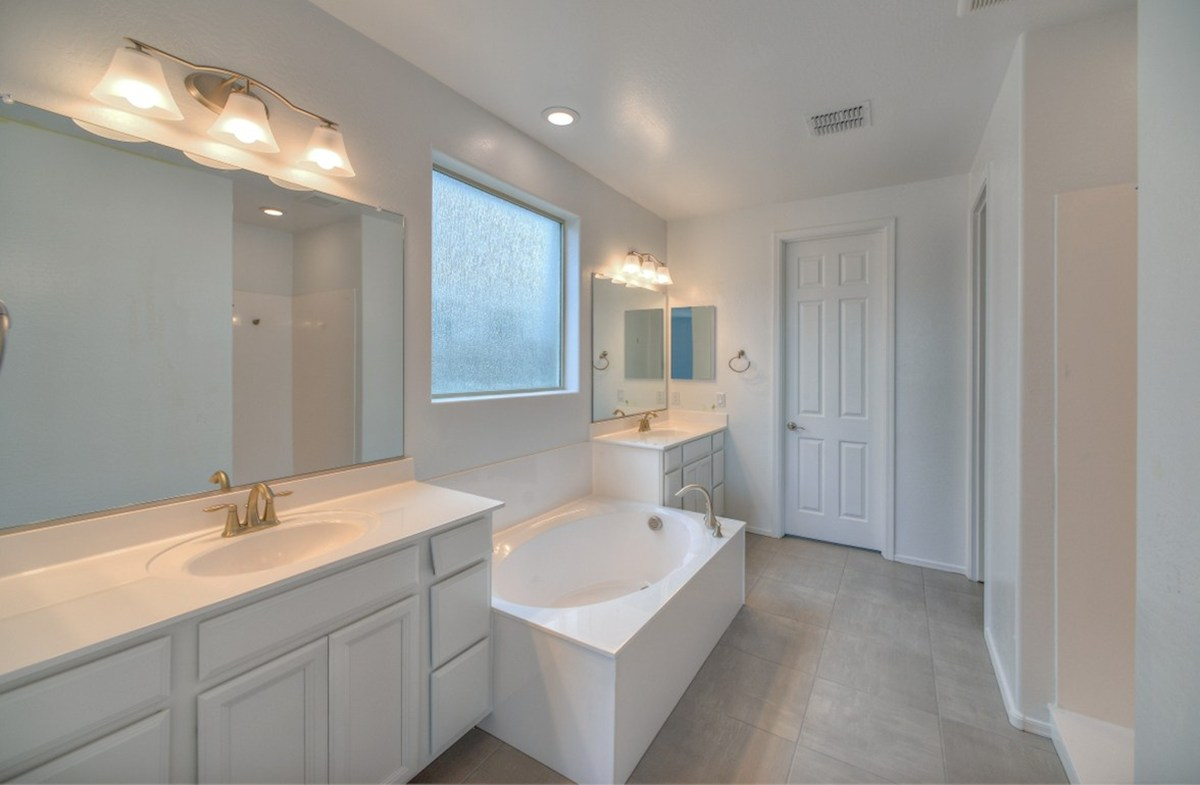 Rockwell quick move-in large tub