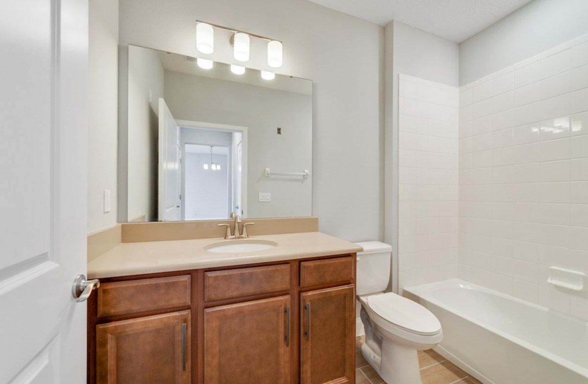 Aspen with Study quick move-in secondary bathroom