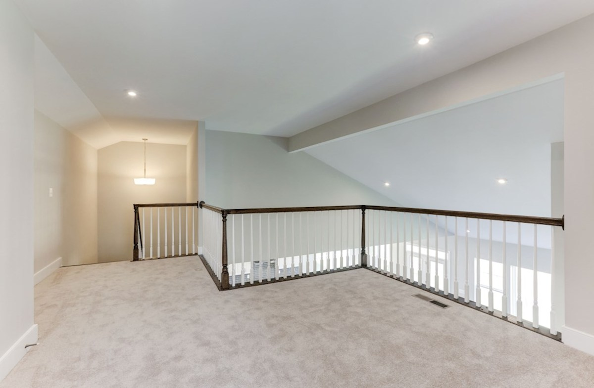 Hadleigh quick move-in carpeted loft