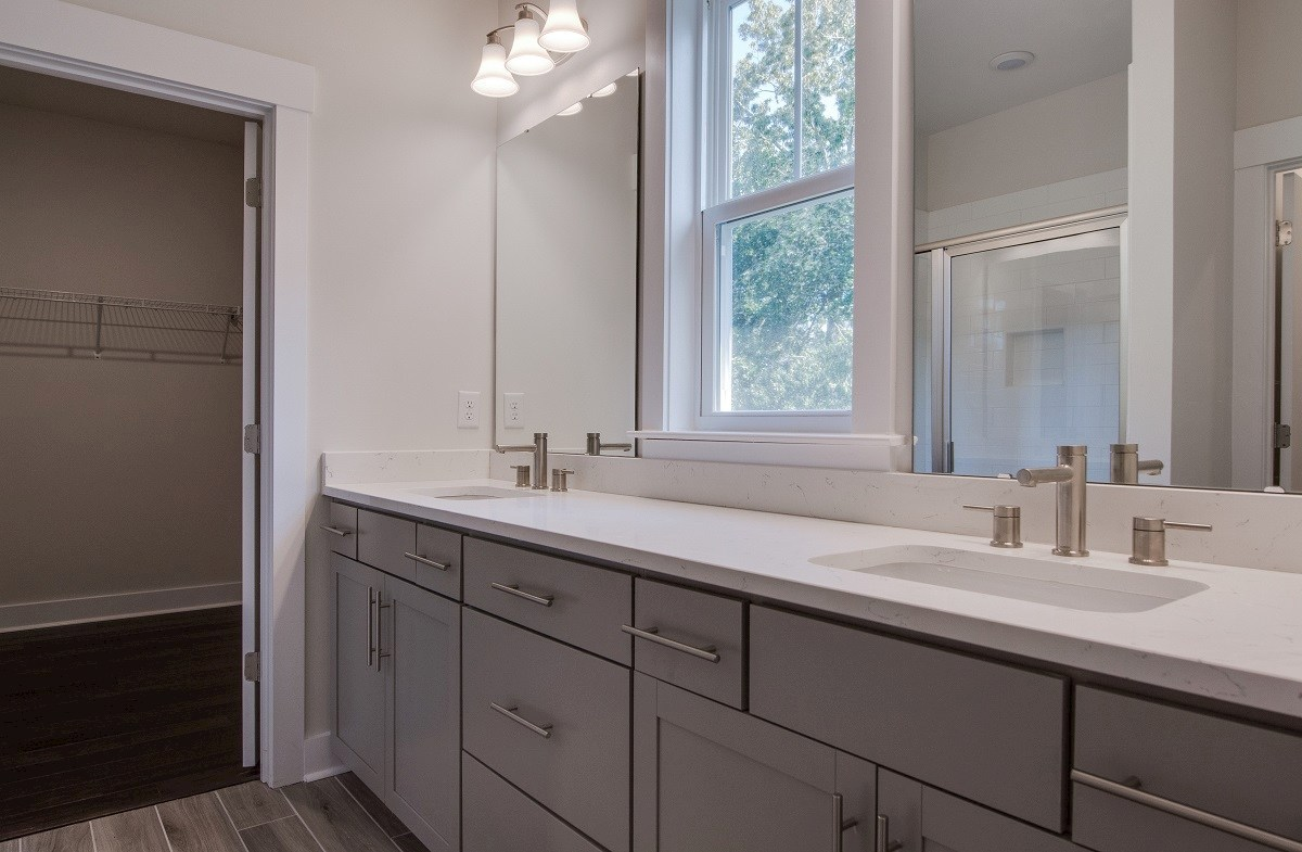 Jasmine Point at Lakes of Cane Bay Cottonwood bright master bathroom