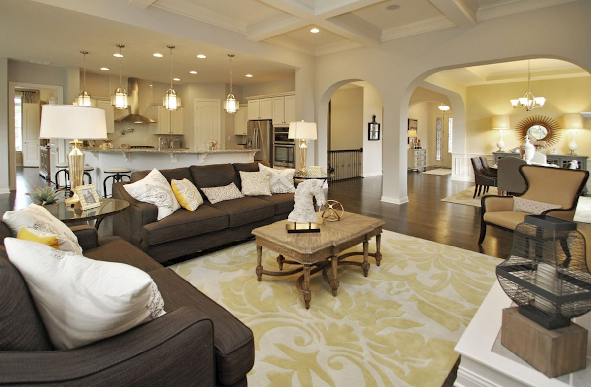 Capitol quick move-in Perfect for a large family or empty nesters