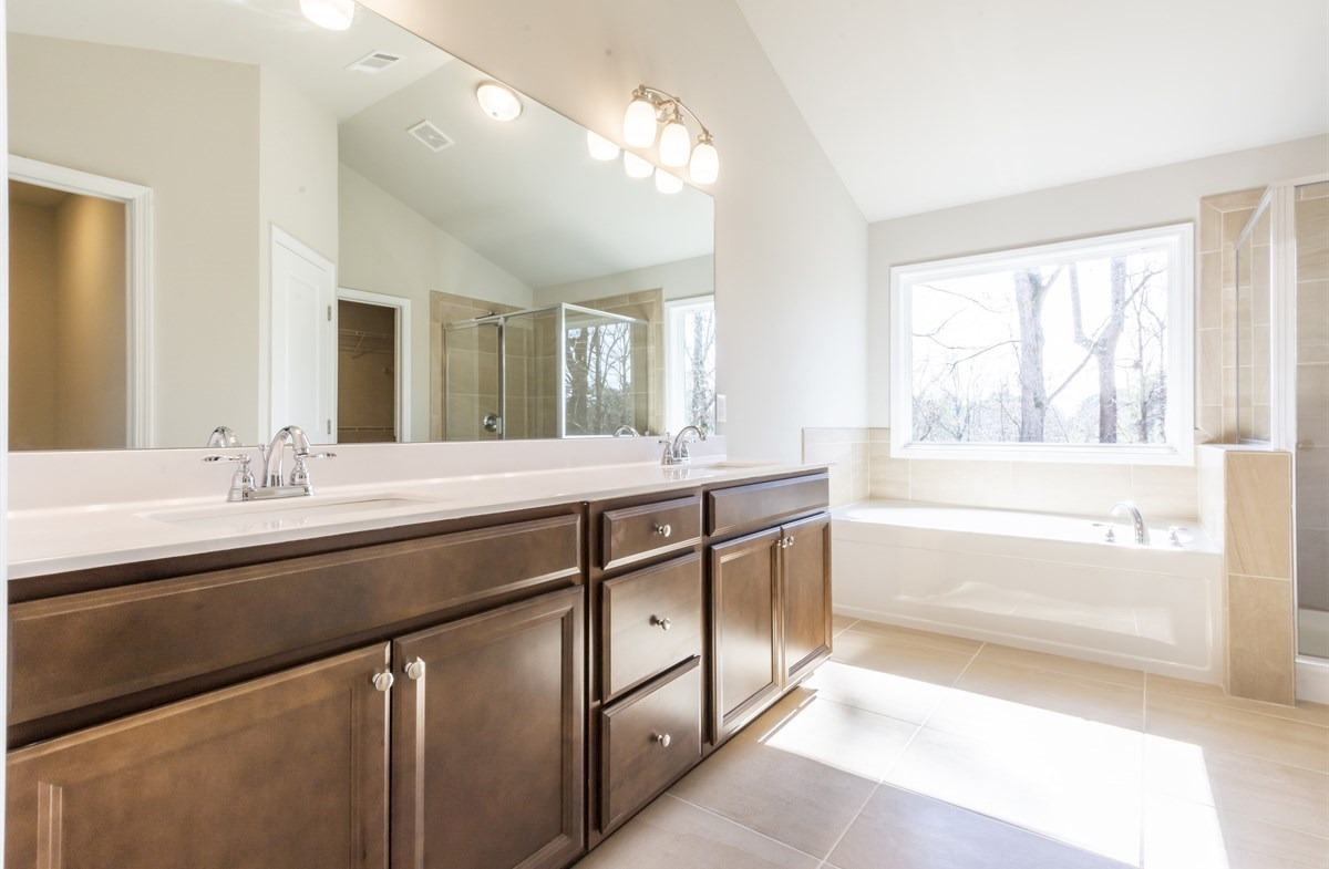 Bradshaw quick move-in Master Bath with dual sinks