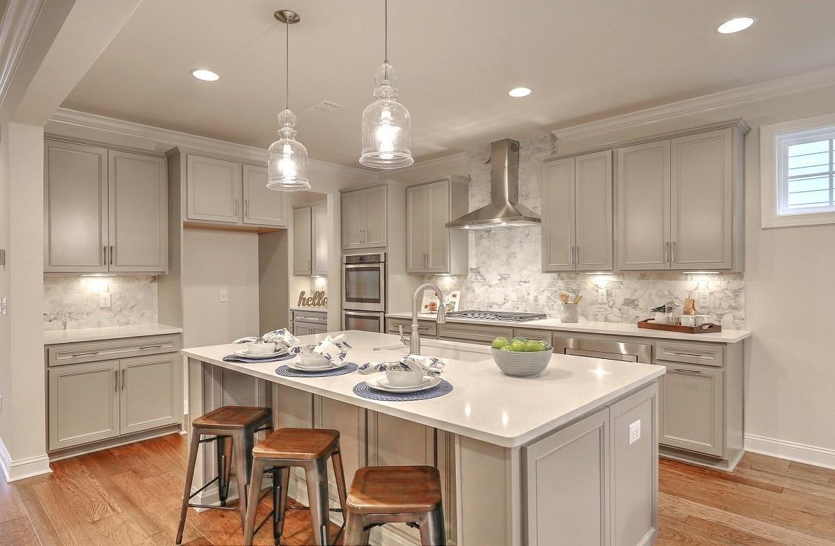 Bentley Park White Oak chef-inspired kitchen