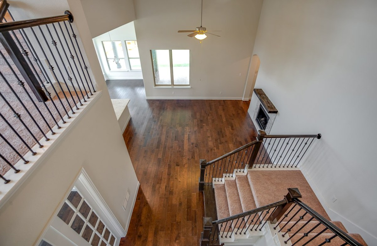 Richland quick move-in second floor overlooks into great room