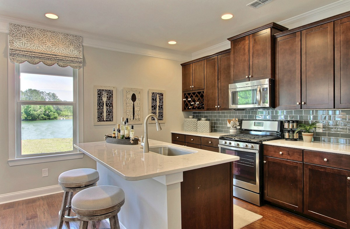 Bentley Park Madison large kitchen