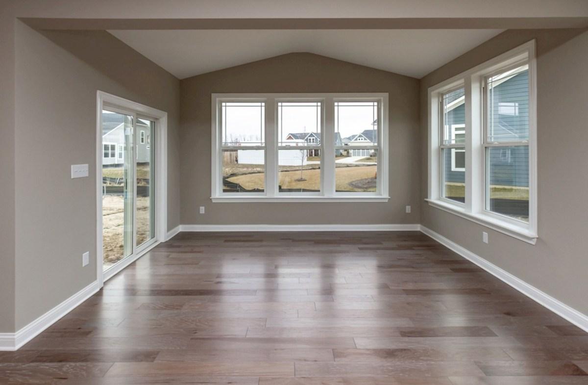 Bradbury quick move-in sunny morning room with hardwood floors