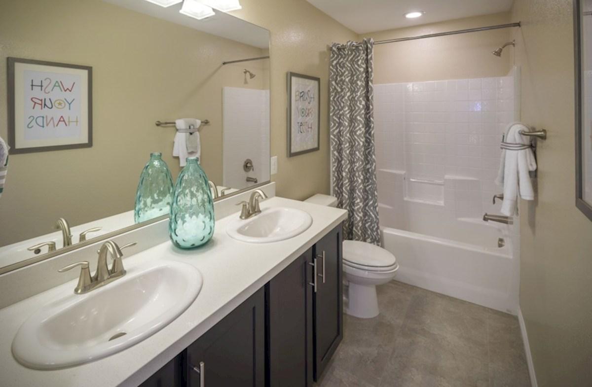 Hyde Park Mesquite The Mesquite Secondary Bathroom with htub/shower unit