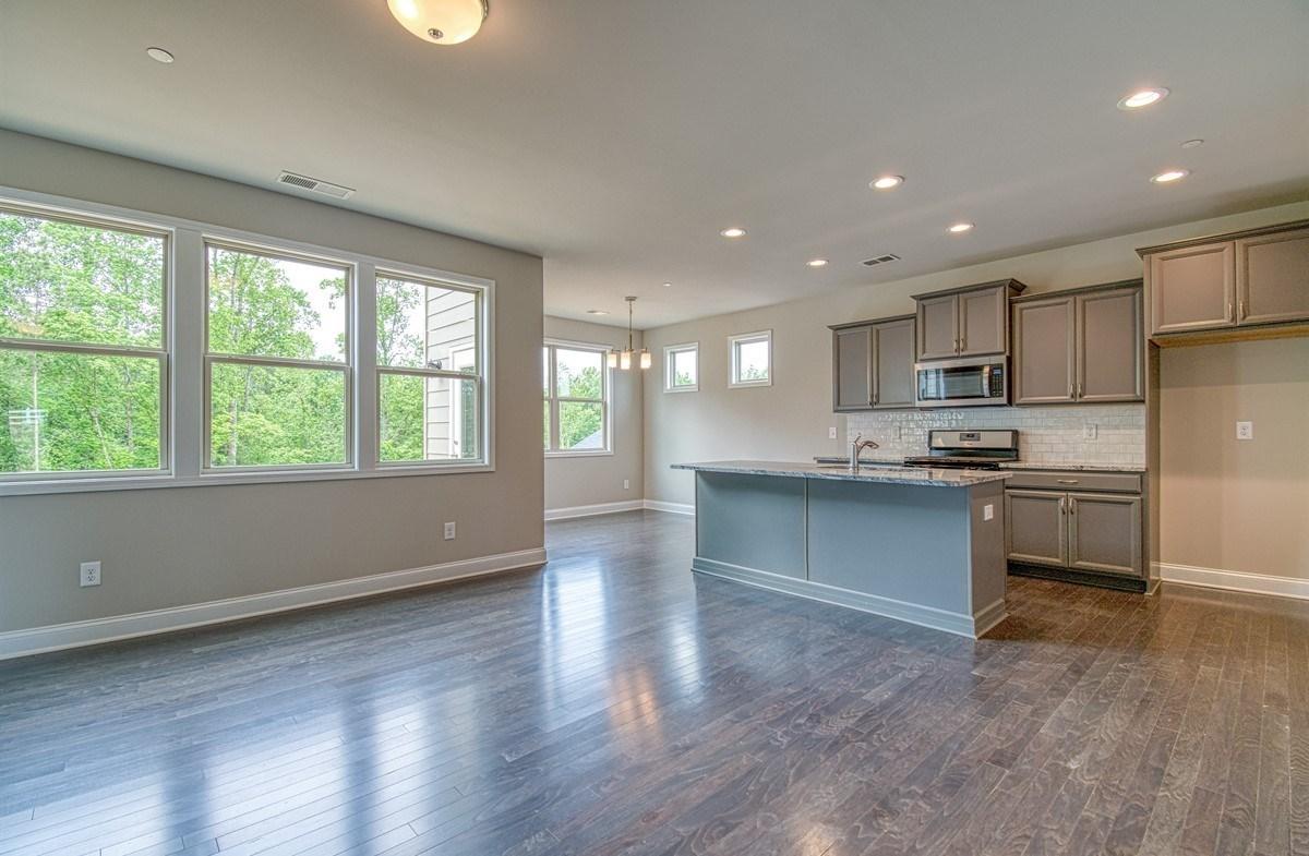 Lexington quick move-in Kitchen with granite countertops