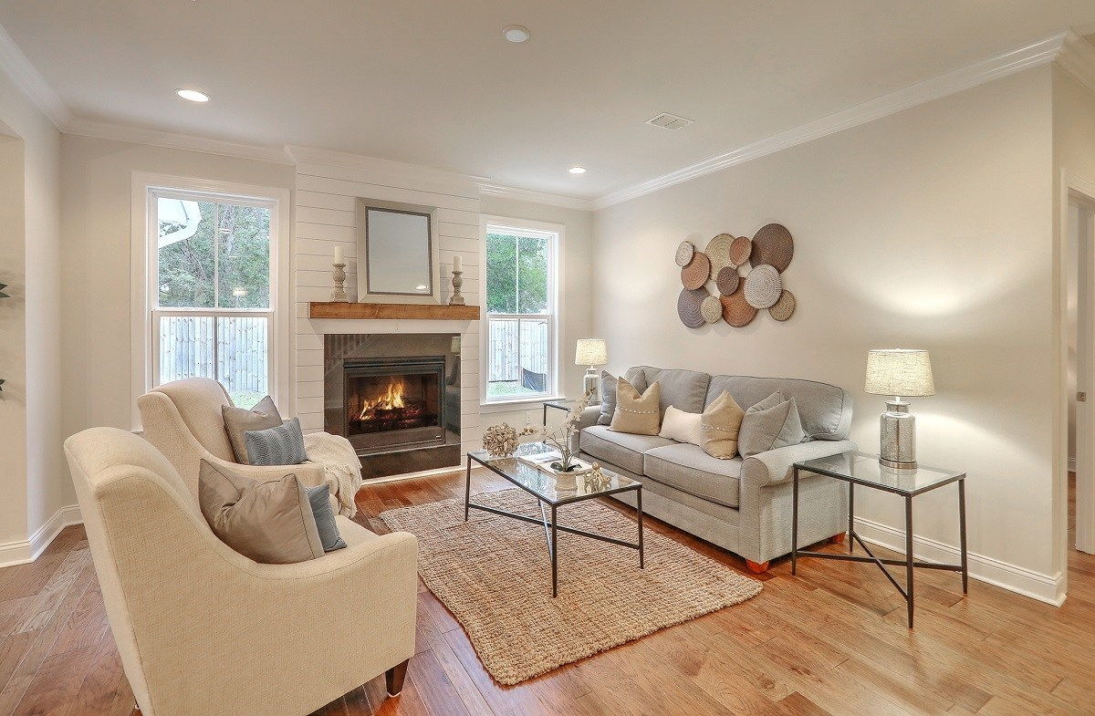 Bentley Park White Oak inviting great room
