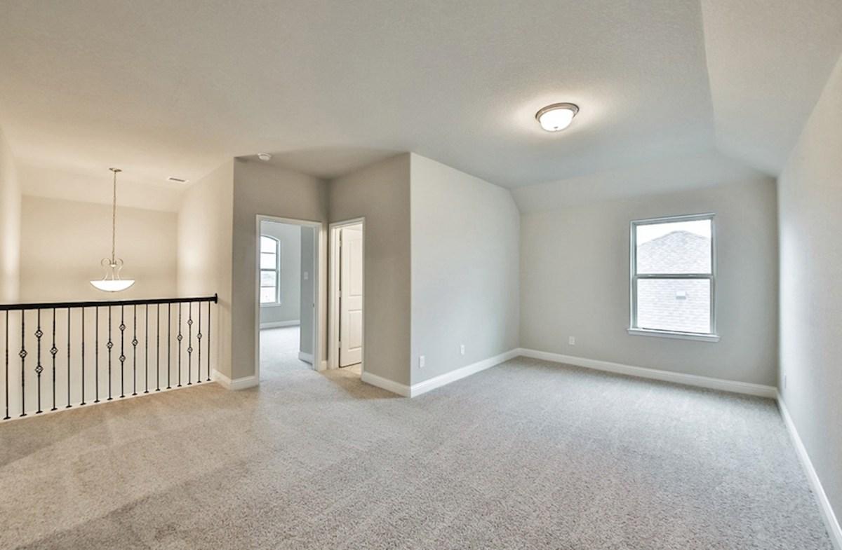 Galveston quick move-in spacious loft space on second floor