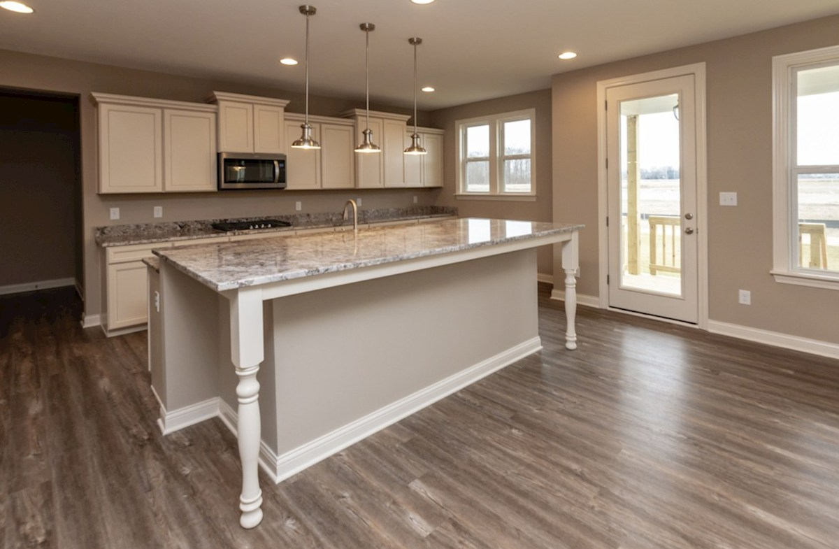 Oakhill quick move-in gourmet kitchen with breakfast bar