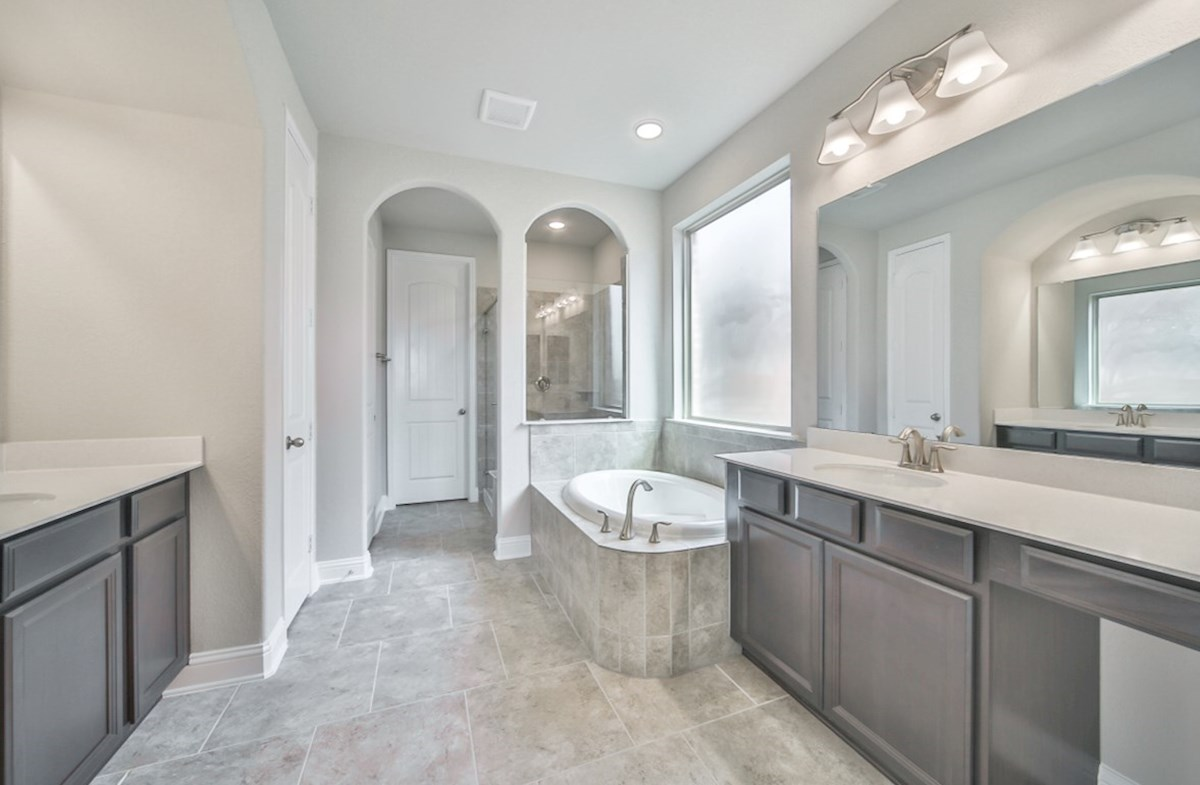 LaGrange quick move-in spacious master bathroom with separate tub and shower