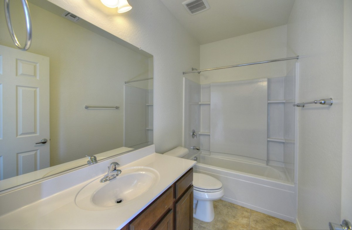 Merlot quick move-in open bathroom