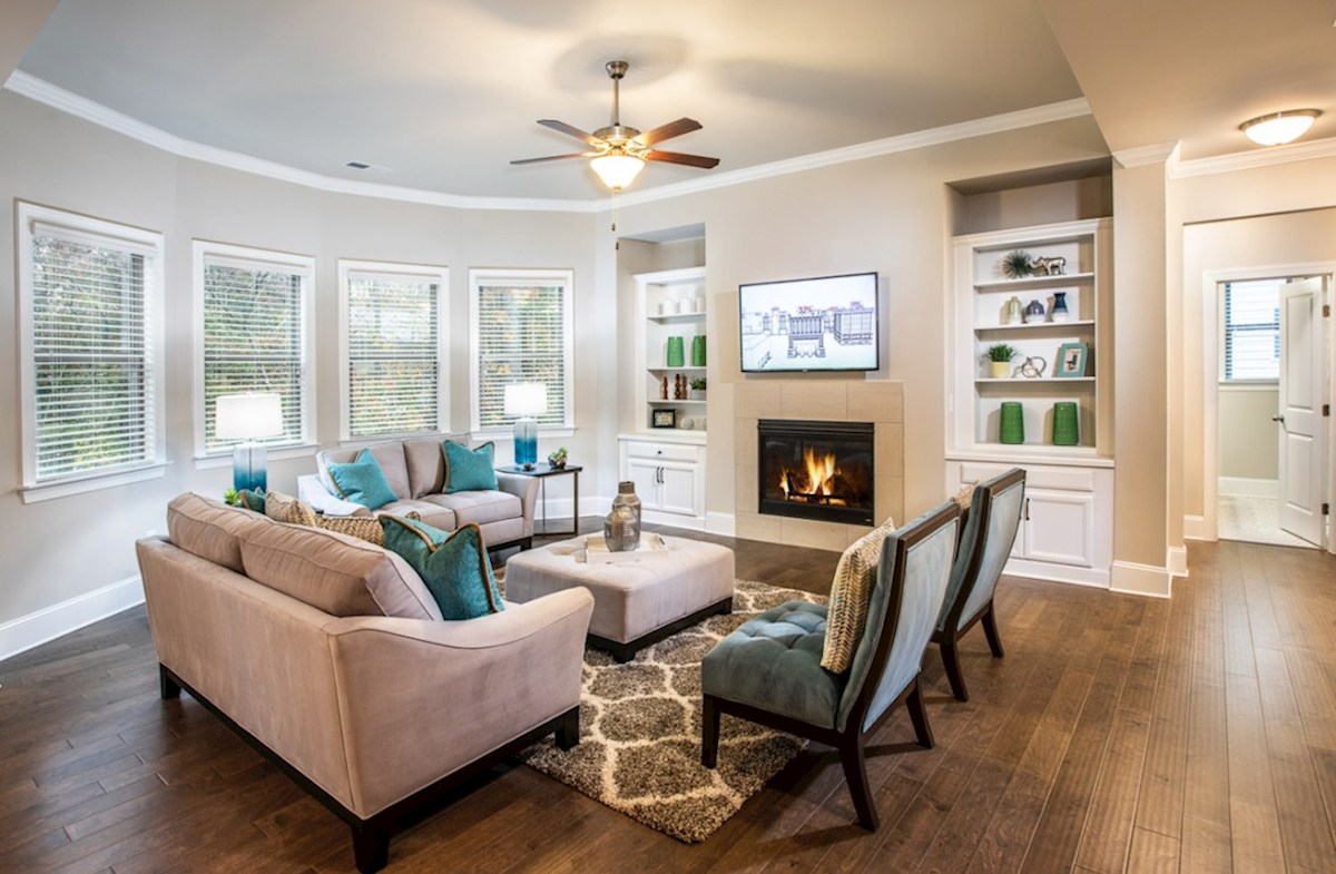 Vinings Summit Laurelwood Family room with fireplace