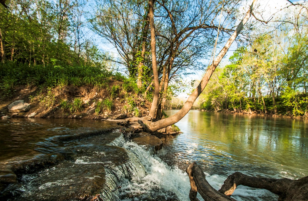 close proximity to Harpeth River access