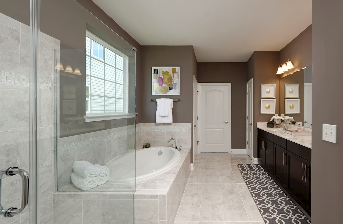 Summerfield Franklin luxury master bathroom