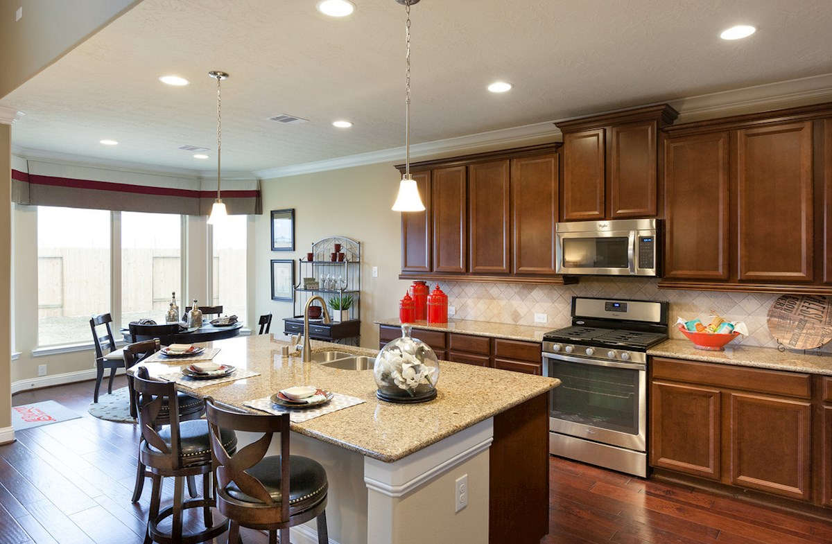 Bridgeland: Parkland Village Fenway spacious Choice kitchen