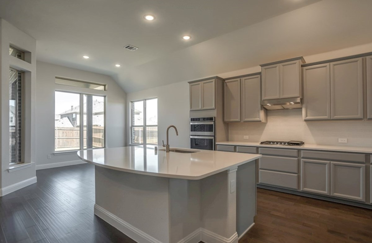 Kerrville quick move-in open kitchen and breakfast nook