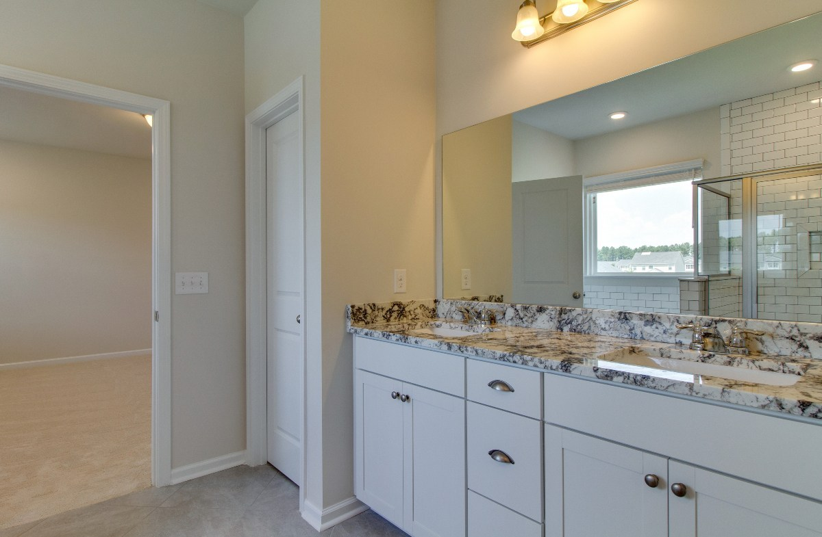 Madison quick move-in luxurious master bathroom