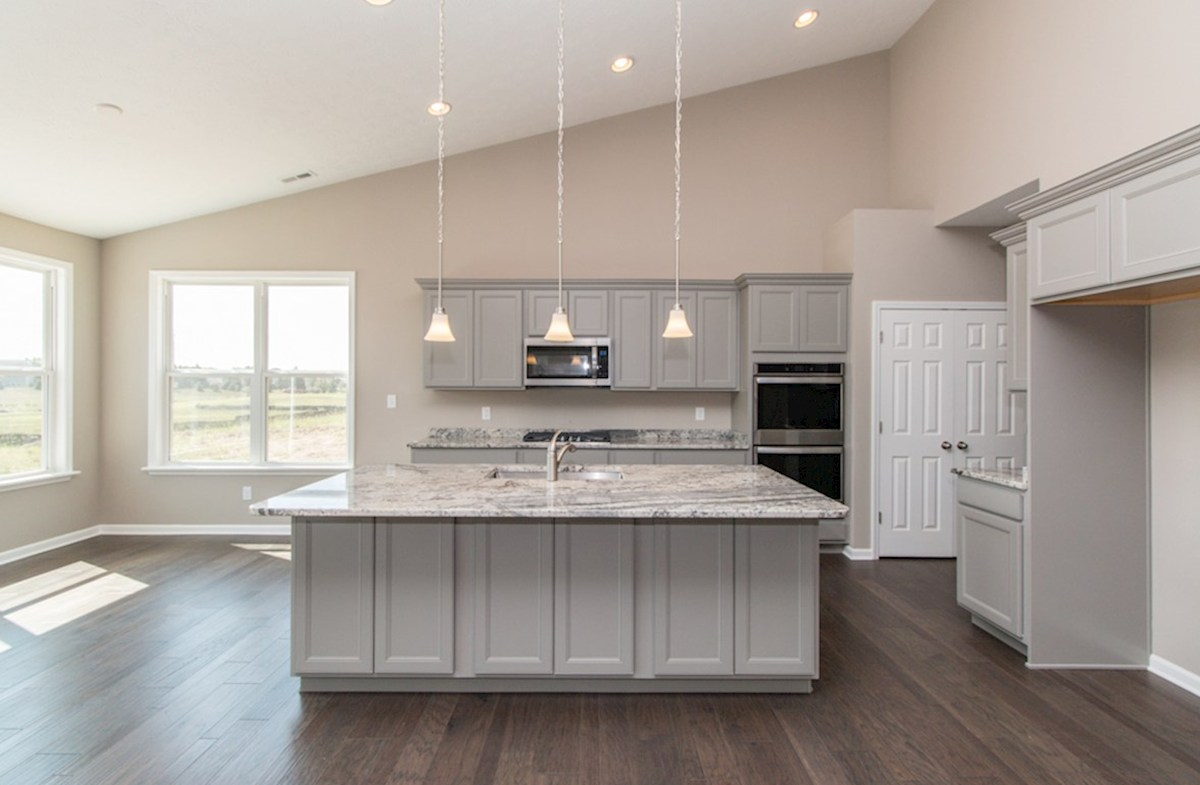 Greenwich quick move-in Entertain in this stunning kitchen
