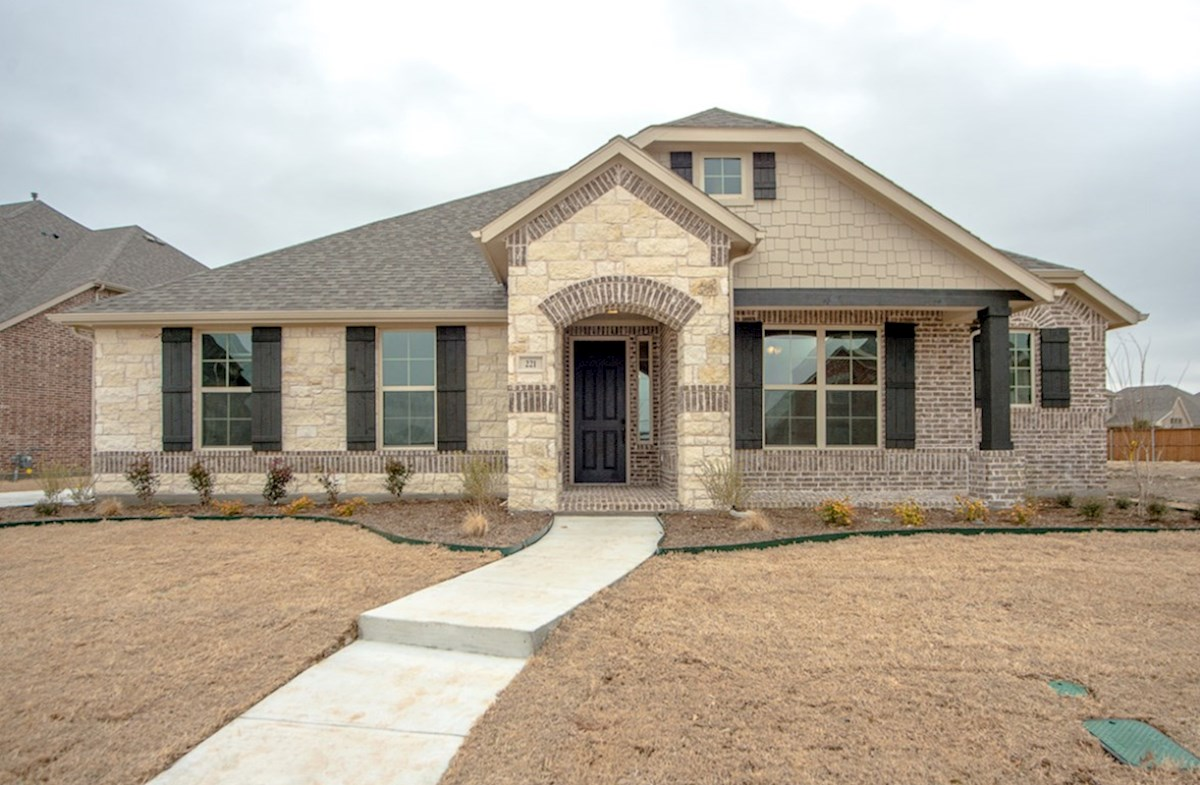 Blakely FCL quick move-in Blakey elevation with brick and stone