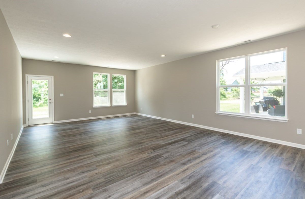 Hamilton quick move-in sun filled great room with hardwood floors