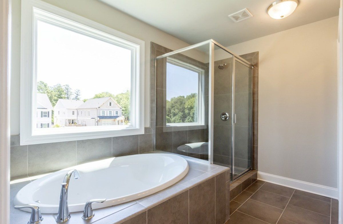Langley quick move-in Master bathroom with soaker tub