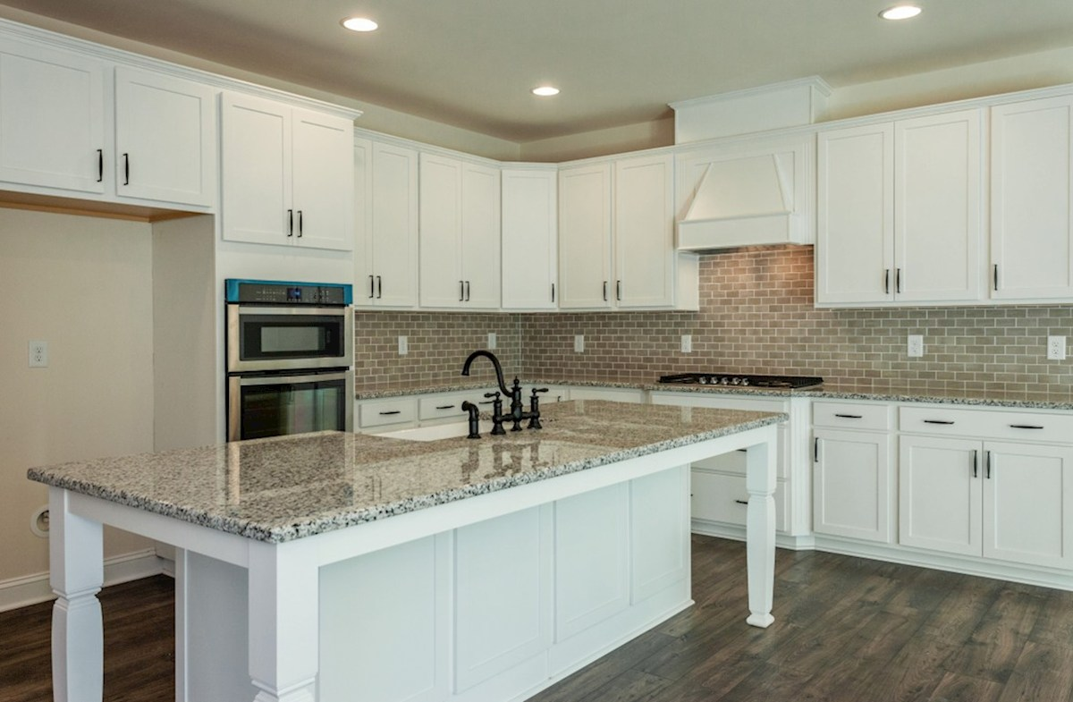 Somerset quick move-in Somerset kitchen