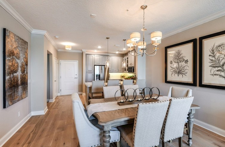 Comedor informal de Bradford en Gatherings® of Lake Nona